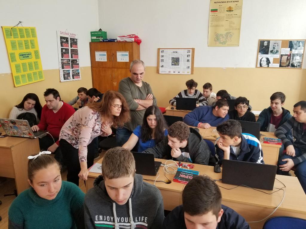 TuxCon organized Arduino Day in PMG Konstantin Velichkov in Pazardzhik